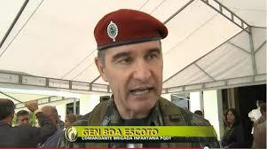 o general Roberto Escoto.
