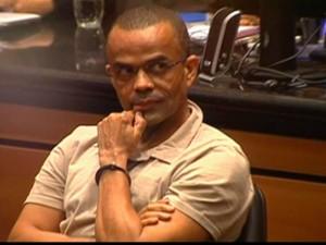 Fernandinho Beira-Mar no tribunal. Imagem da Globonews.