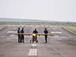 """O drone """"Acauã"""", cujo nome remete a uma ave de rapina. Foto da FAB."""
