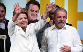 Dilma e Lula comemoram em Brasília.