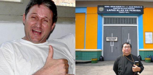 """Fotos do portal """"Já"""": à esquerda, o brasileiro condenado; à direita, o repórter na porta de penitenciária indonésia."""