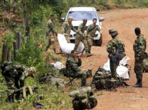 Guerrilheiro atacam soldados em Cauca.