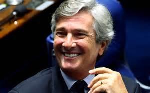 Fernando Collor renunciou em dezembro de 1992.