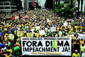 Manifestantes na Av. Paulista, centro de São Paulo.