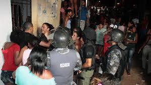 Rotina de violência  nas cadeias brasileiras.