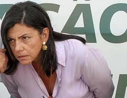 """A ex-governadora Roseana Sarney: """"inverdades""""."""