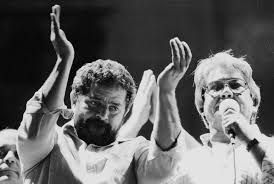 Lula e Mário Covas, juntos, em comício.