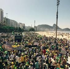 A marcha na Praia de Copacabana.