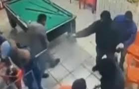 A  morte de pessoas, em câmeras de segurança, em Osasco.