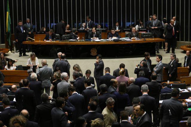 protesto-em-brasilia-03